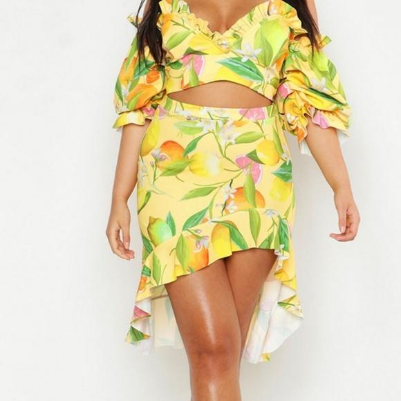 Dresses & Skirts - Fruit skirt in yellow